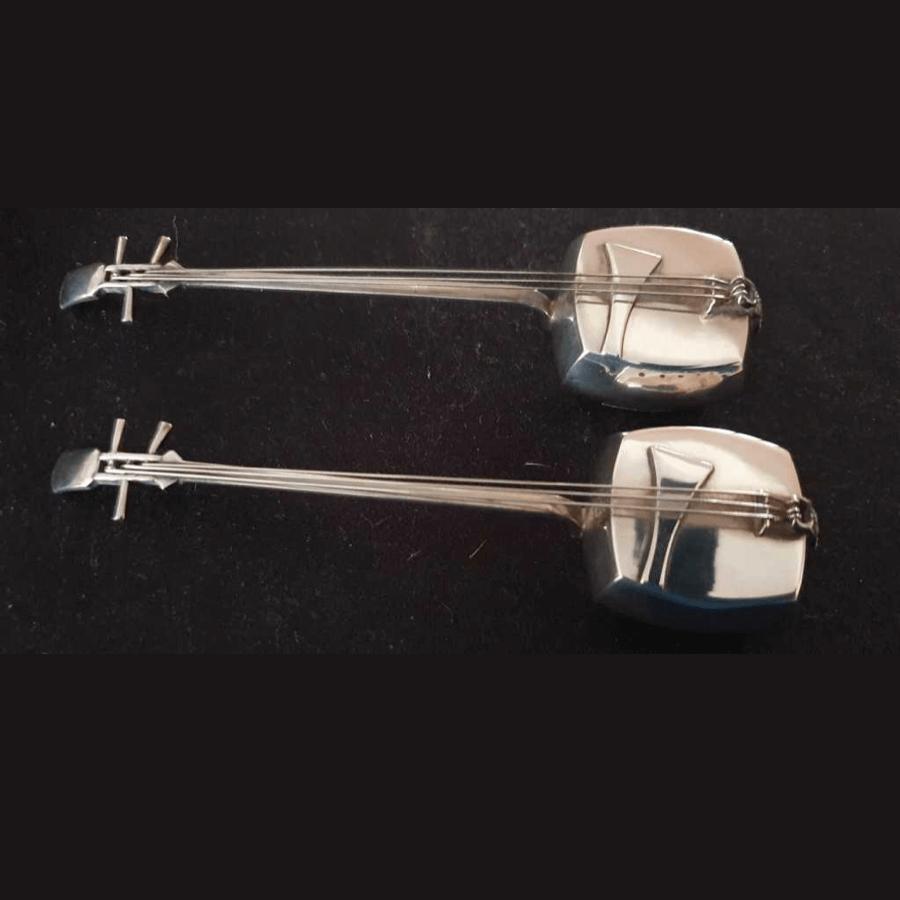 Japanese 950 hallmarked silver Shamisen musical design salt & pepper shakers